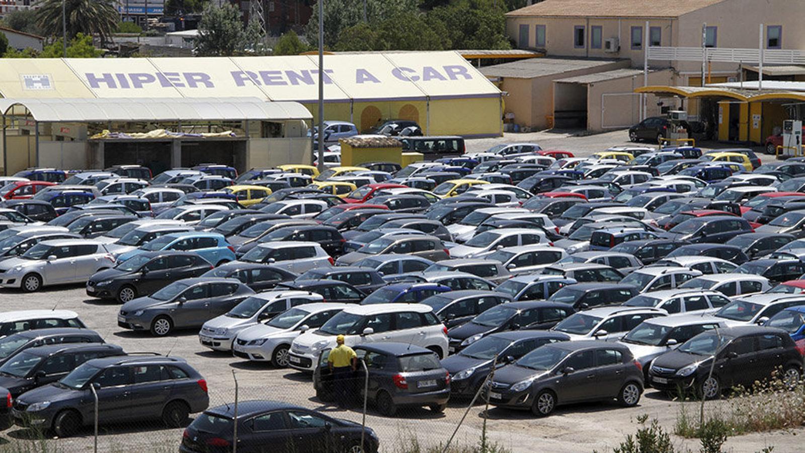 Es poden permetre llogar els cotxes a preus molt baixos, de fins a dos o tres euros el dia.