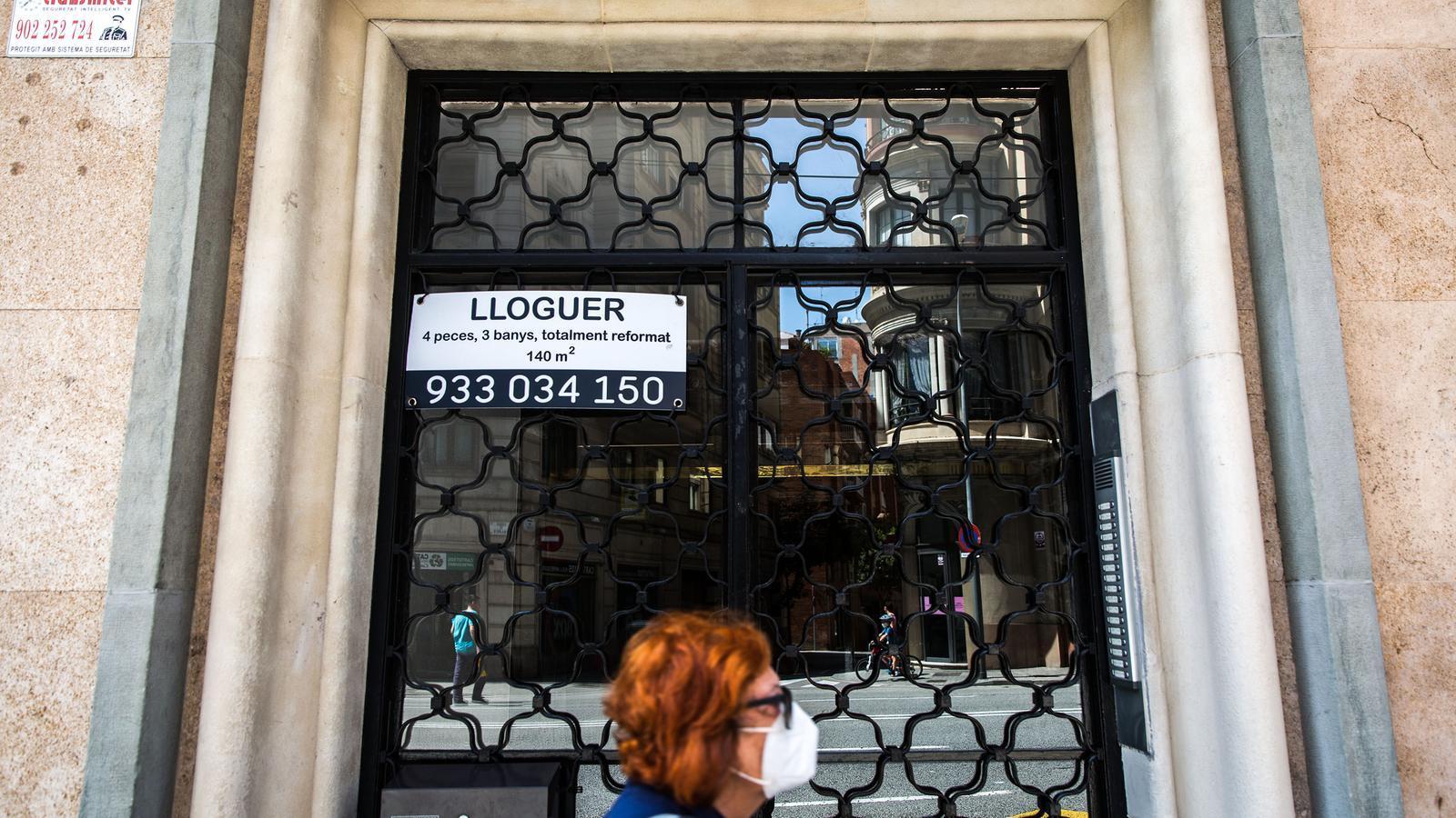 Anunci d'UN pis en lloguer al carrer Balmes de Barcelona