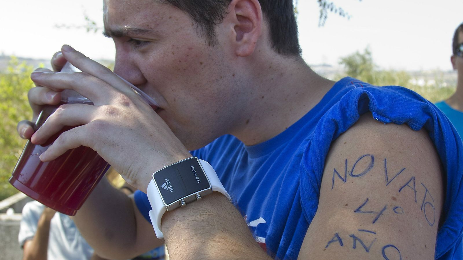 Cada cap de setmana 79 joves acaben a urgències per l'alcohol