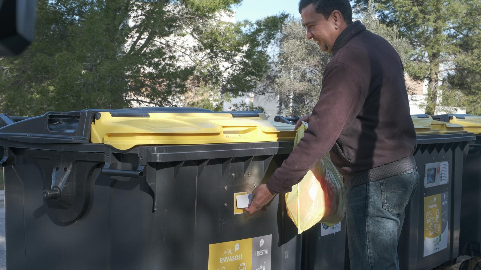 Dos barris de Barcelona tindran contenidors intel·ligents abans del 2023