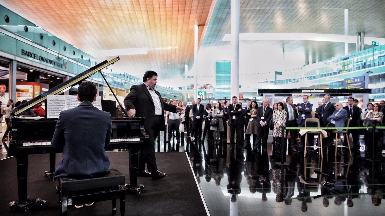 Concert d'òpera a la T-1 de l'aeroport del Prat