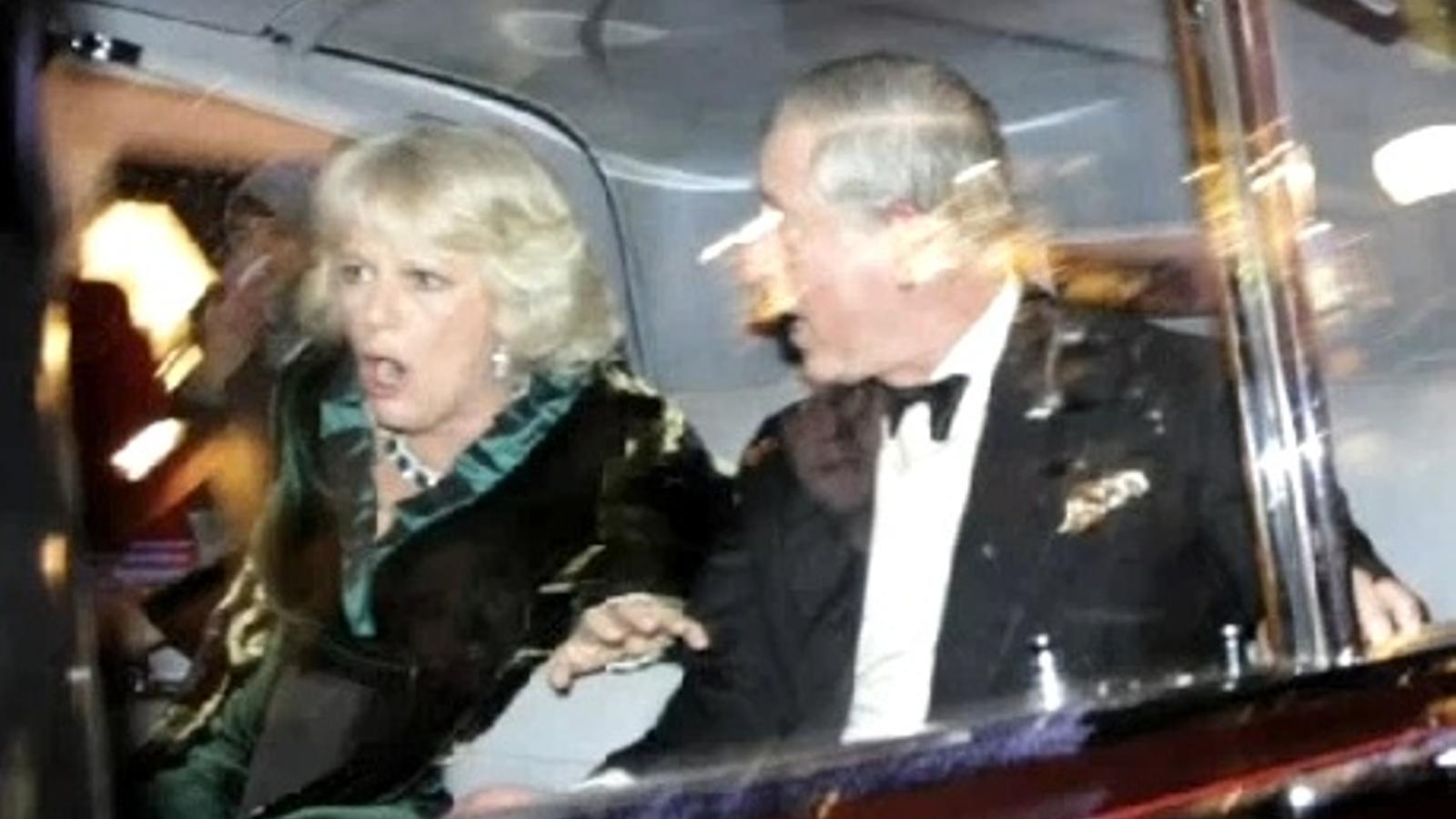 Furor al YouTube amb l'atac al cotxe dels prínceps de Gal·les
