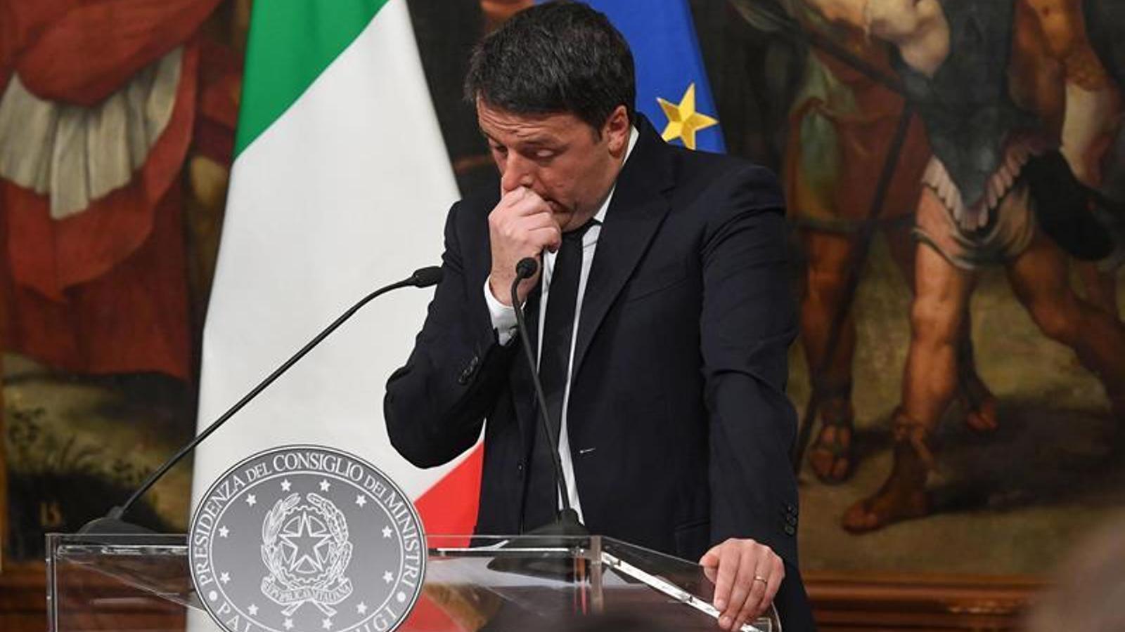 Renzi, la nit en què anuncia la seva voluntat de dimitir.
