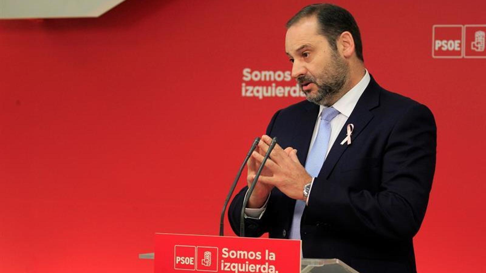 José Luis Ábalos referma el seu compromís de lliurar de peatges les autopistes