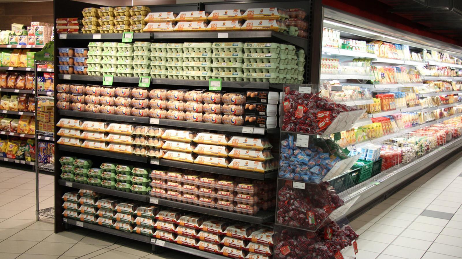Productes alimentaris en un supermercat. / ARXIU ANA
