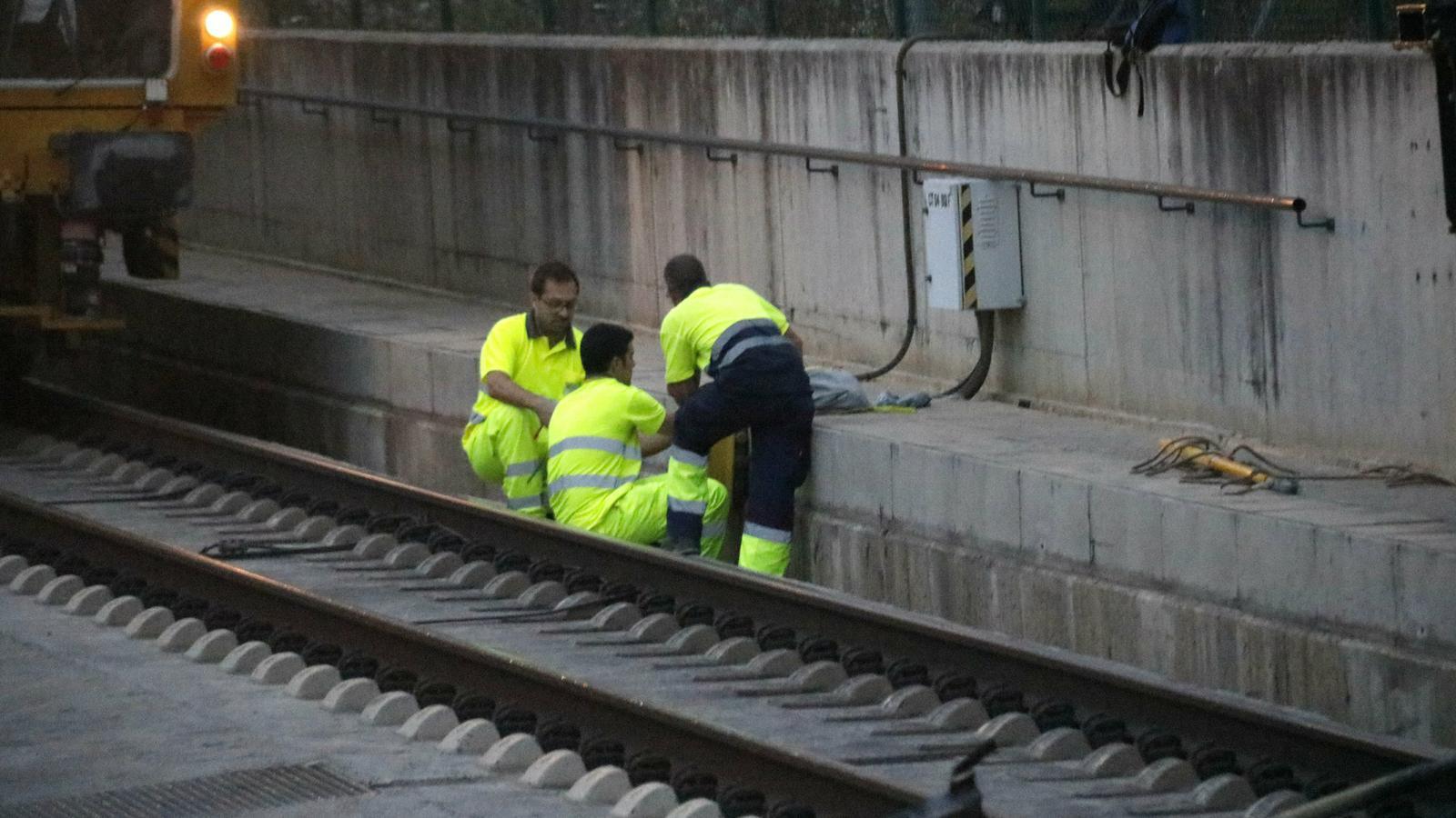 Alteracions ferroviàries i talls a les carreteres per les protestes contra la sentència