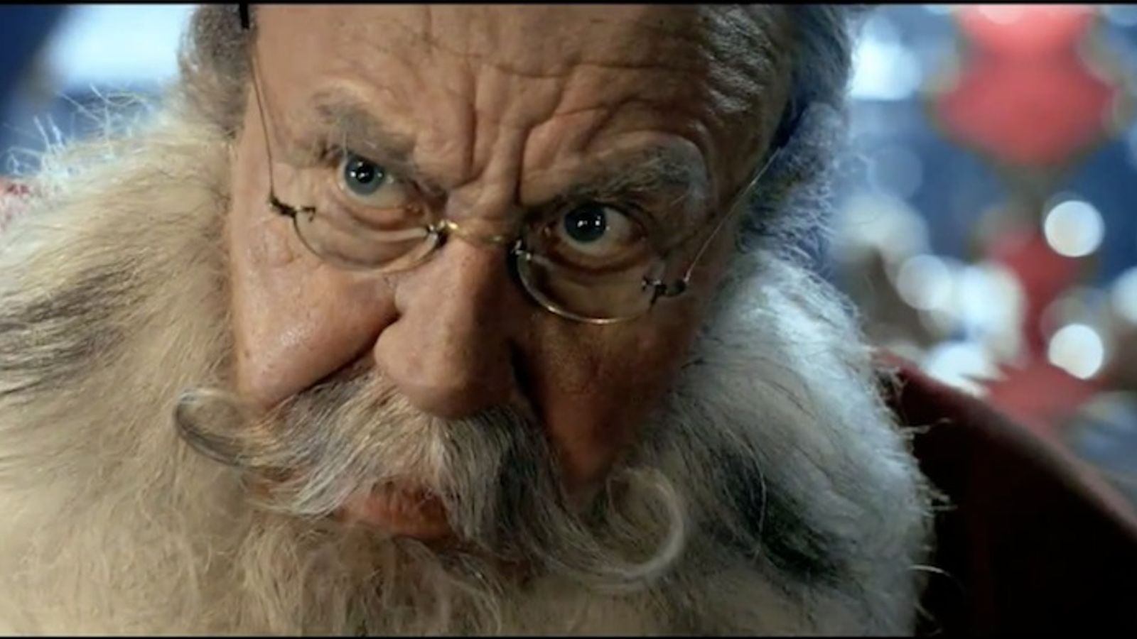 No em dedico als països pobres: un malvat Pare Noel, protagonista d'una campanya d'Unicef