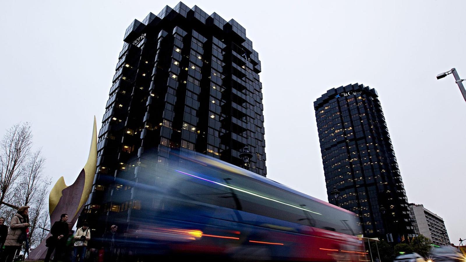 L'adéu al domicili social no implica que es moguin les oficines centrals. A la imatge, seu de CaixaBank a Barcelona.