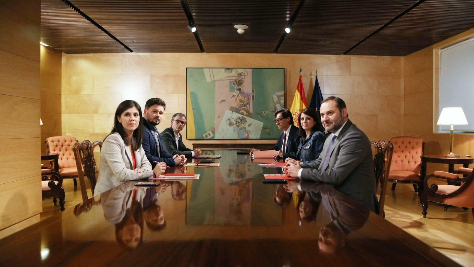 """El PSOE es mostra disposat a intentar resoldre """"el conflicte polític"""" a Catalunya"""