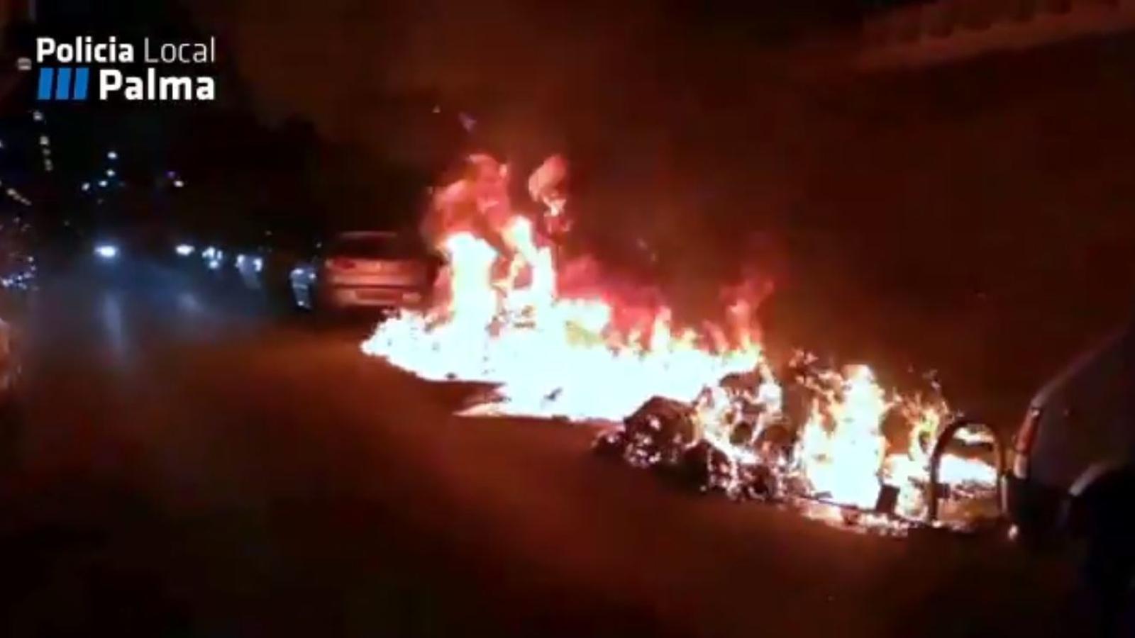 250 contenidors cremats a Palma en menys d'un any