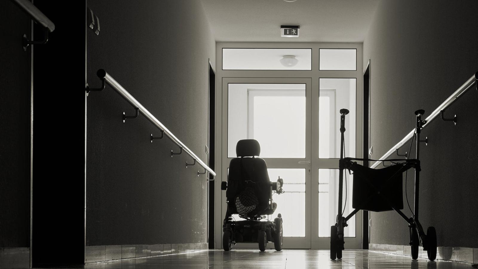 Una empresa apartada d'una residència pot recuperar-ne la gestió