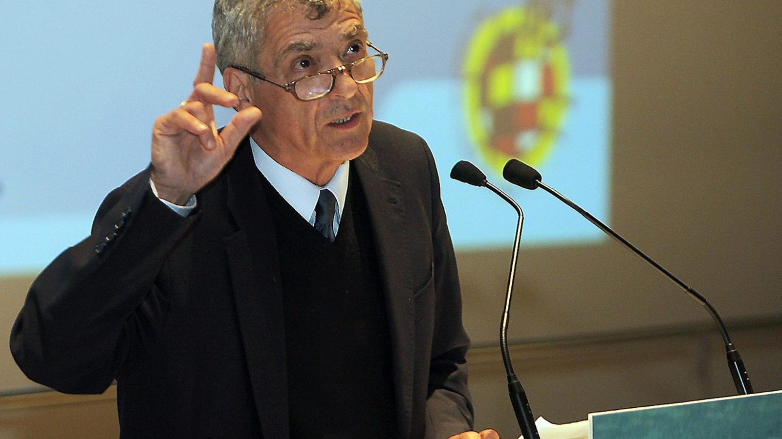 Ángel María Villar presideix la Reial Federació Espanyola de Futbol des del 1988