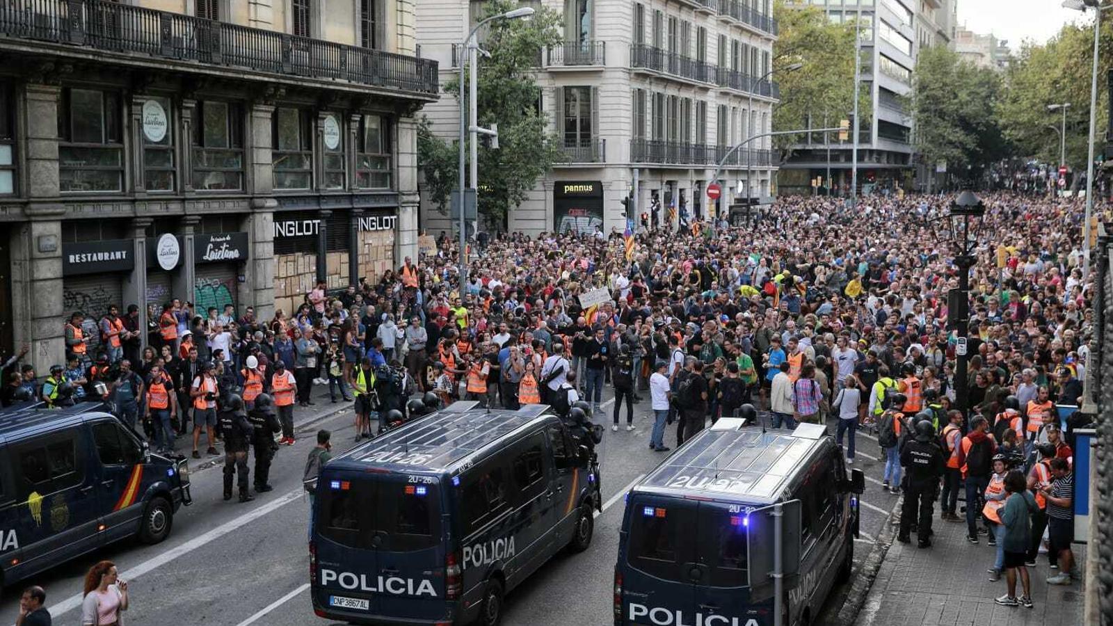Milers de persones es manifesten en contra de la repressió i la brutalitat policial / CRISTINA CALDERER