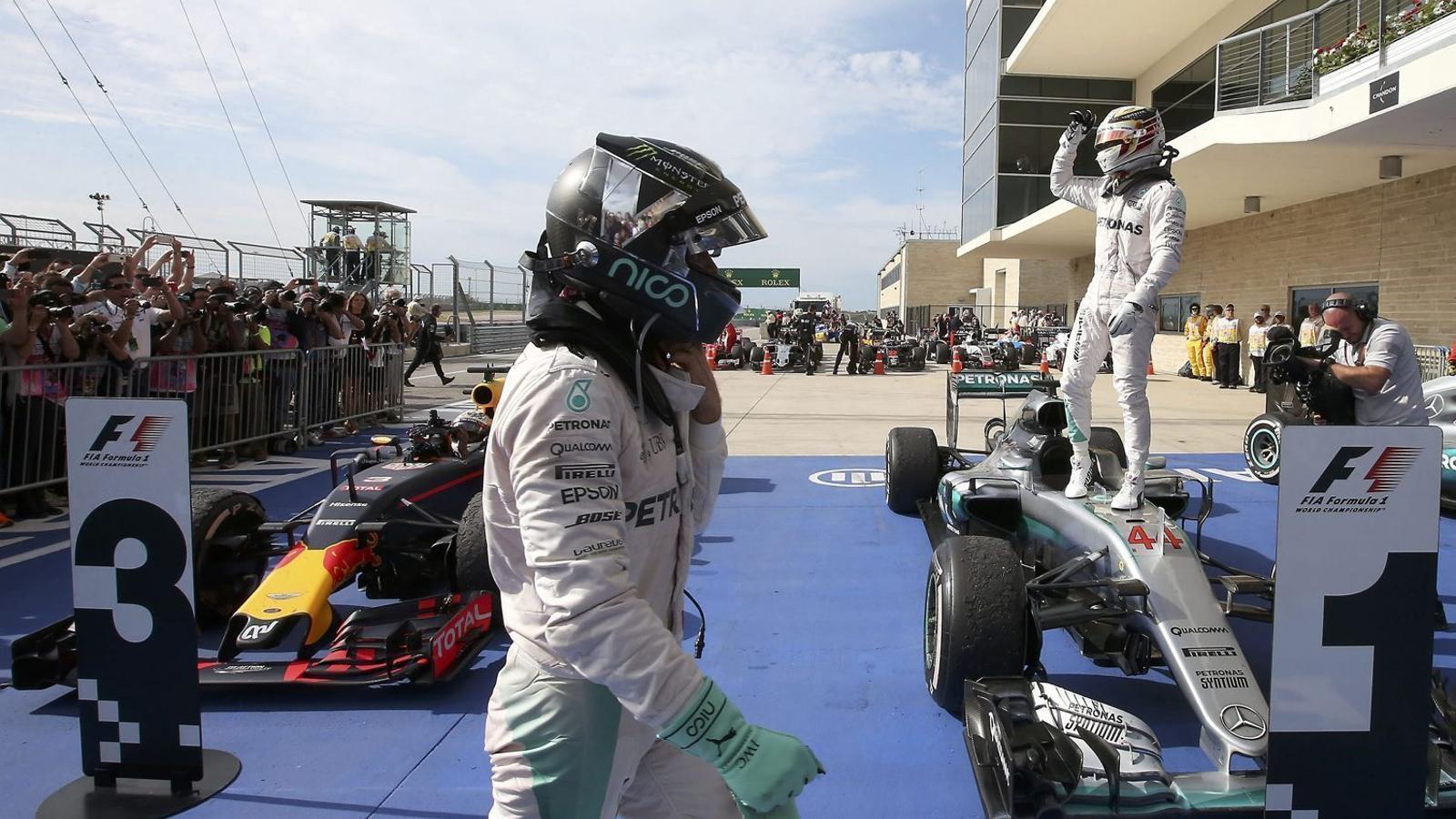 Hamilton fa els deures i Rosberg utilitza la calculadora a Austin