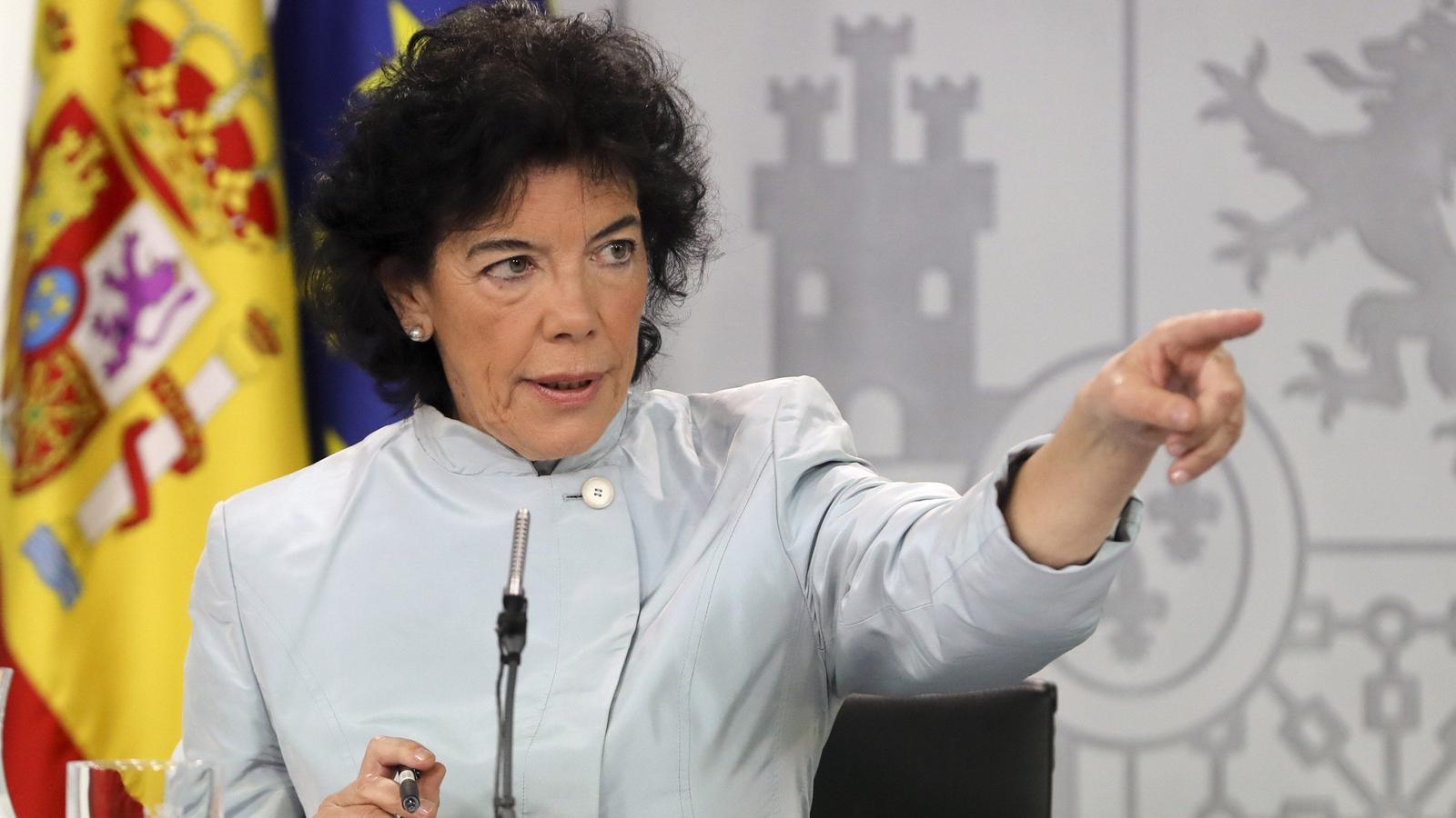 La portaveu del govern espanyol, Isabel Celáa, en la primera roda de premsa després del consell de ministres del govern de Sánchez