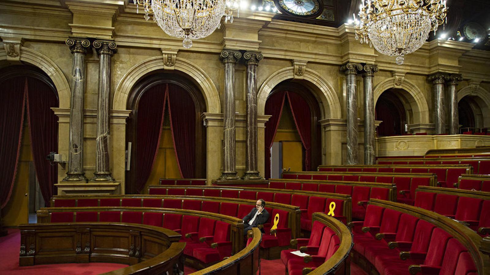 Jordi Turull sol a l'hemicicle en l'últim ple, el passat 1 de març