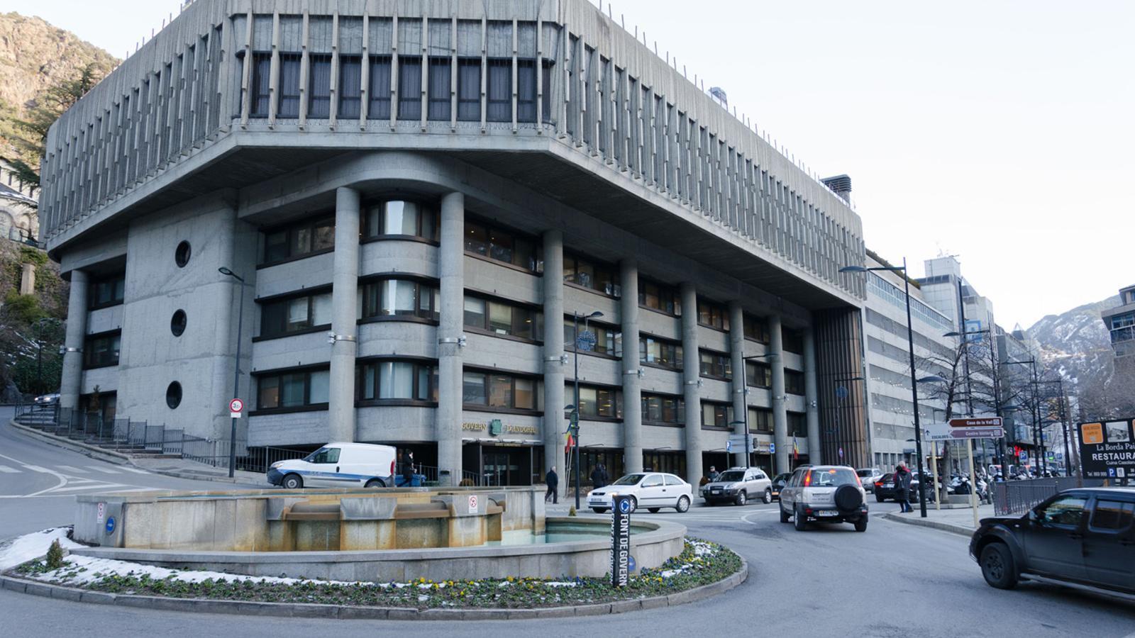 Façana de l'edifici administratiu del Govern. / Arxiu ANA