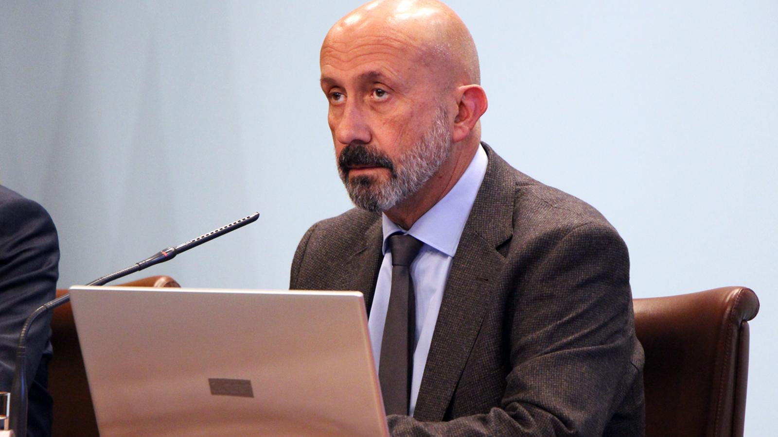 El ministre de Salut, Joan Martínez Benazet, durant la roda de premsa posterior al consell de ministres. / M. P. (ANA)