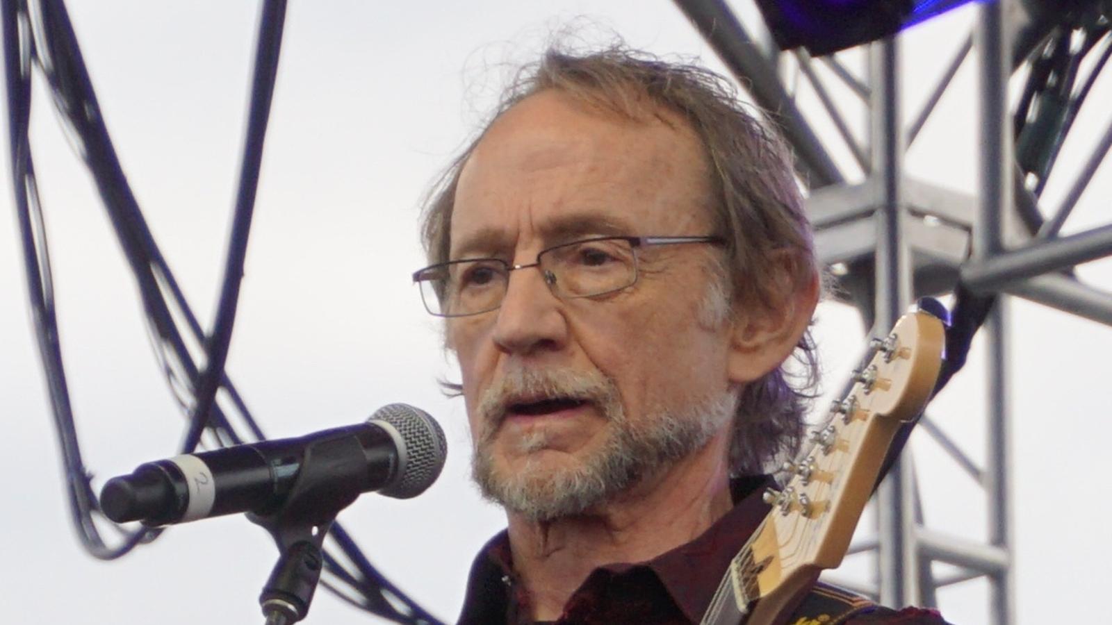 Mor Peter Tork, cantant i baixista dels Monkees