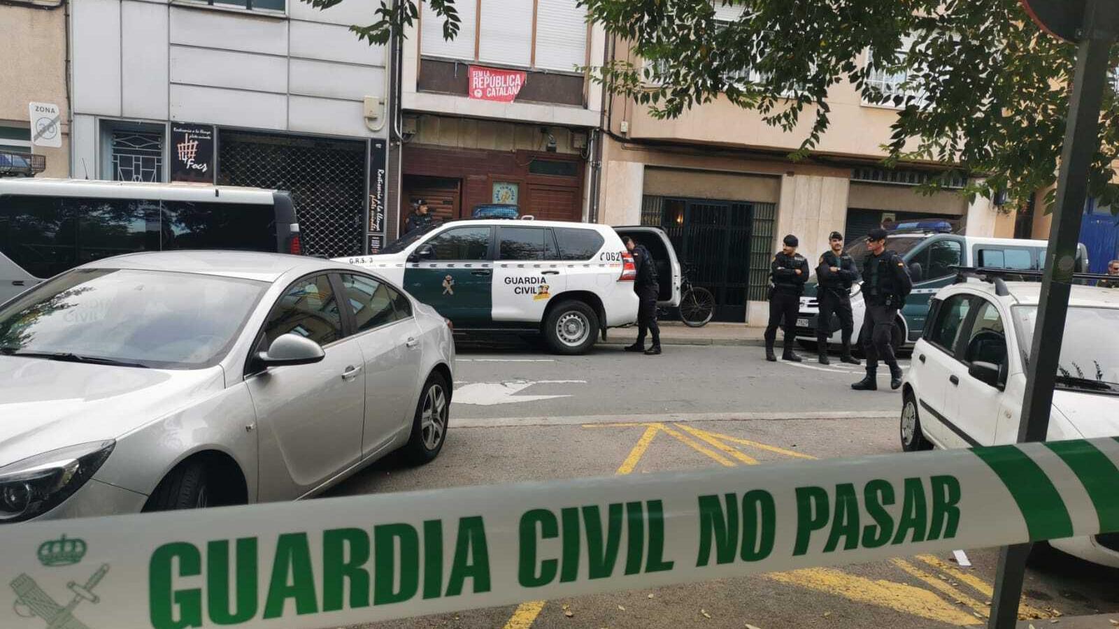 El dispositiu policial al carrer Convent de Sabadell