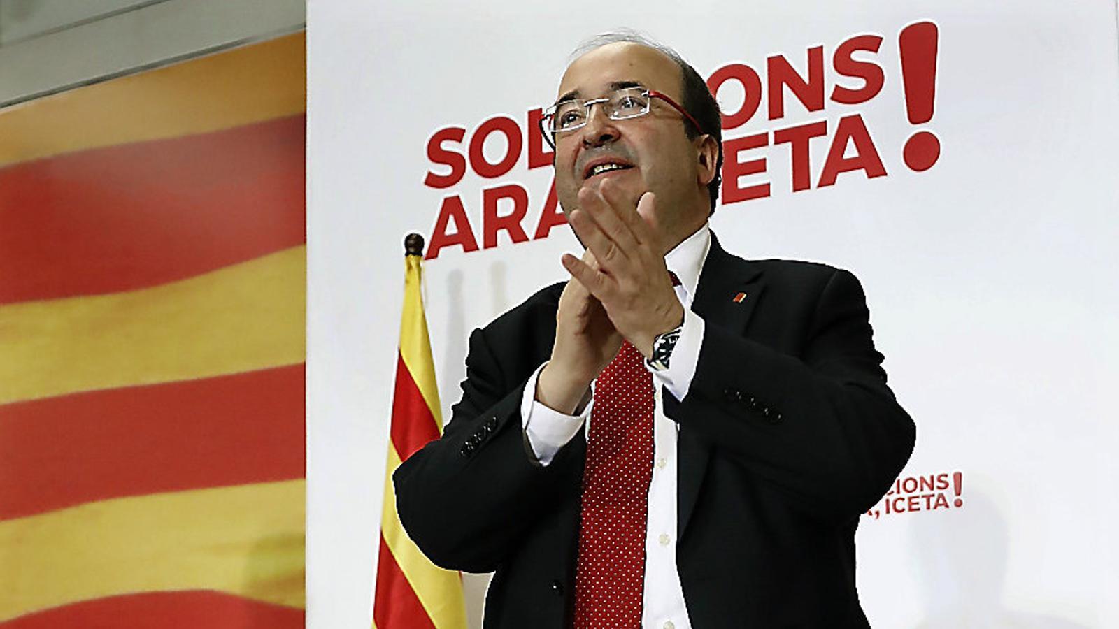 Miquel Iceta va tancar la jornada d'ahir en un acte a Sabadell en què el va acompanyar Pedro Sánchez.