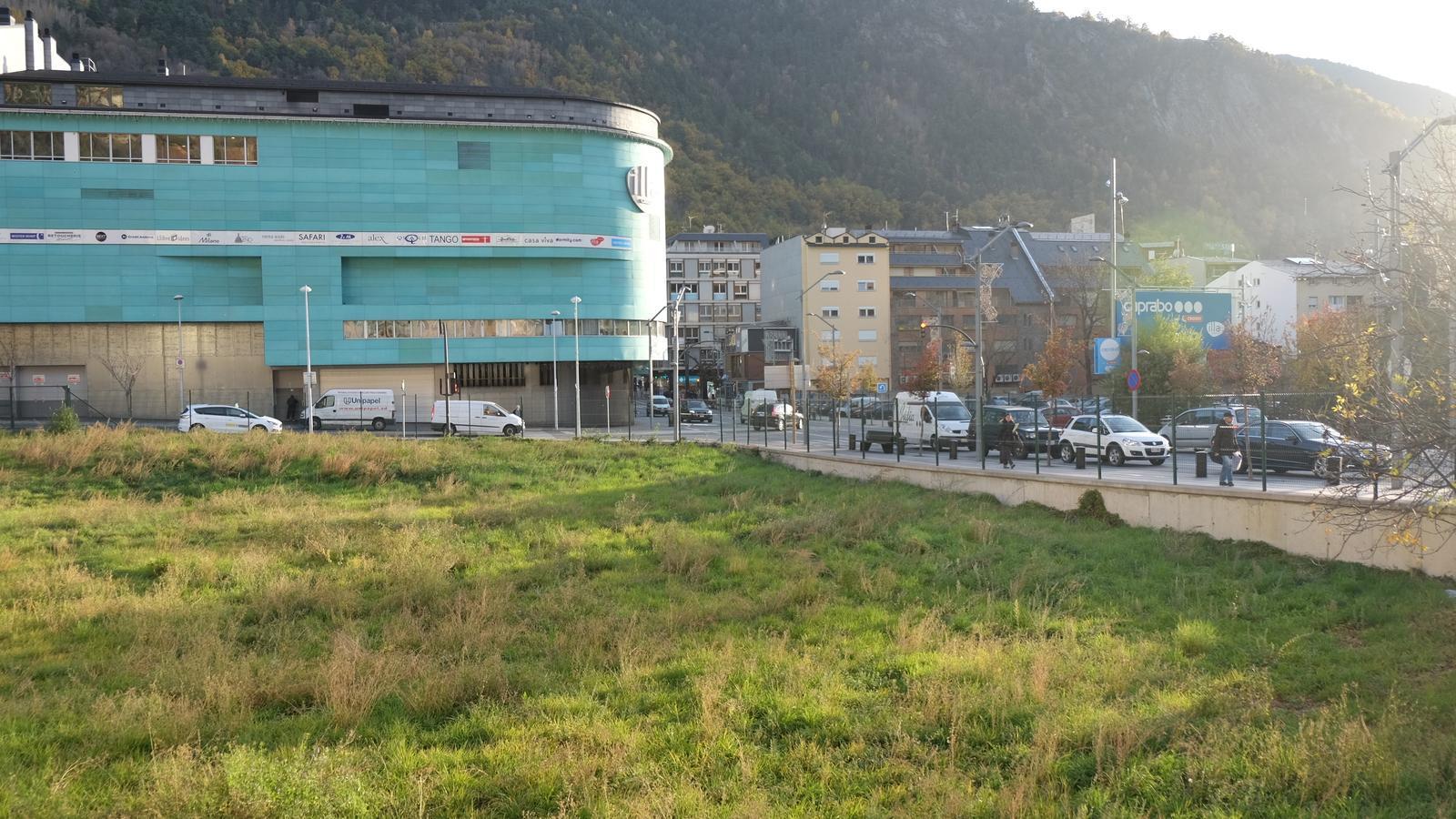 Parcel·la on Cirsa vol ubicar un dels seus dos projectes per al casino. / M. T.