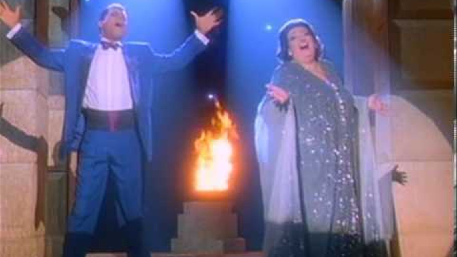 Montserrat Caballé i Freddie Mercury canten 'Barcelona'