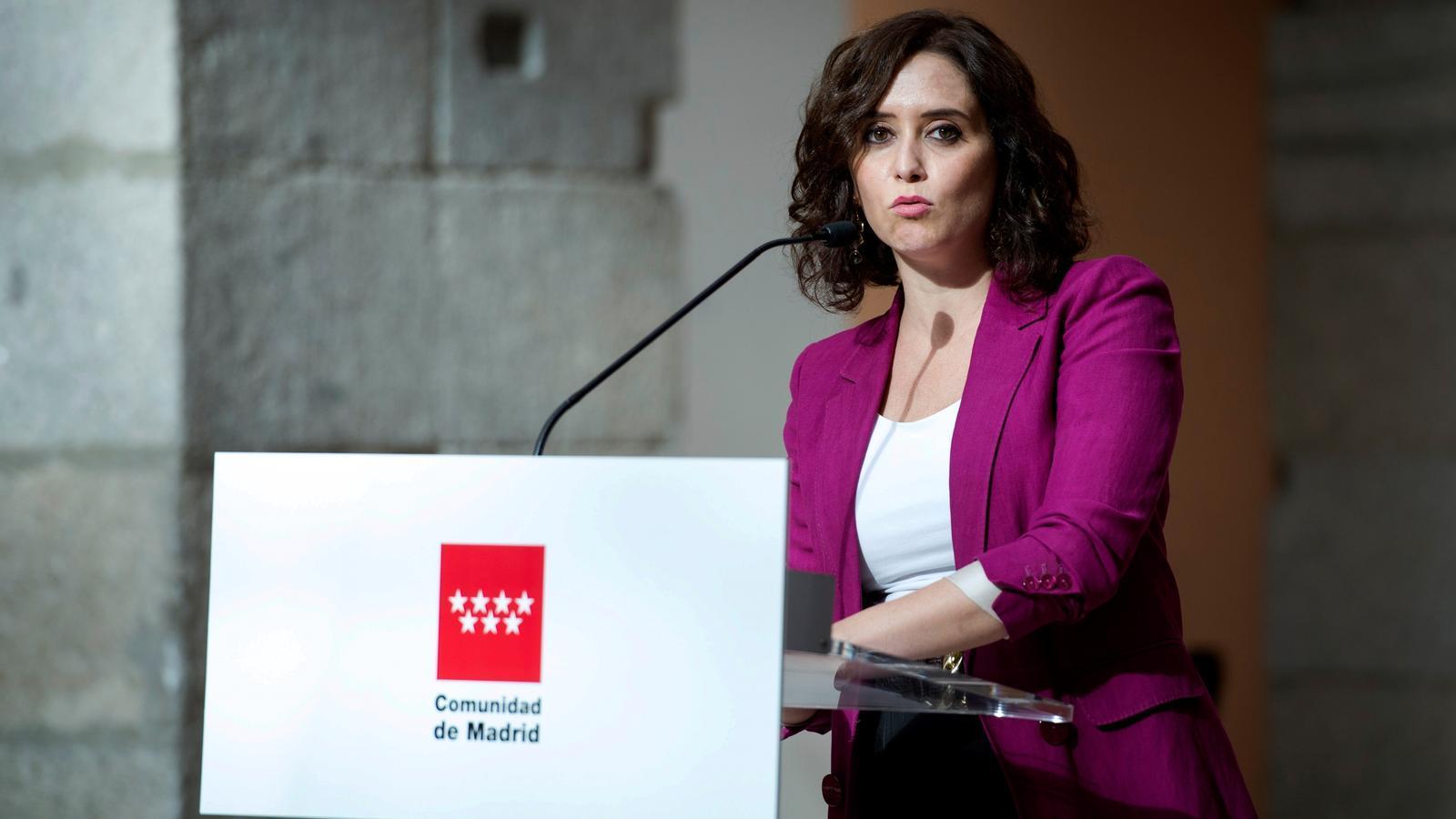 La presidenta madrilenya, Isabel Díaz Ayuso, durant una compareixença aquest dimarts des de la Puerta del Sol.