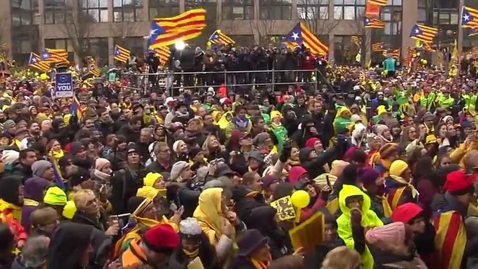Els manifestants a la place Jean Rey de Brussel·les