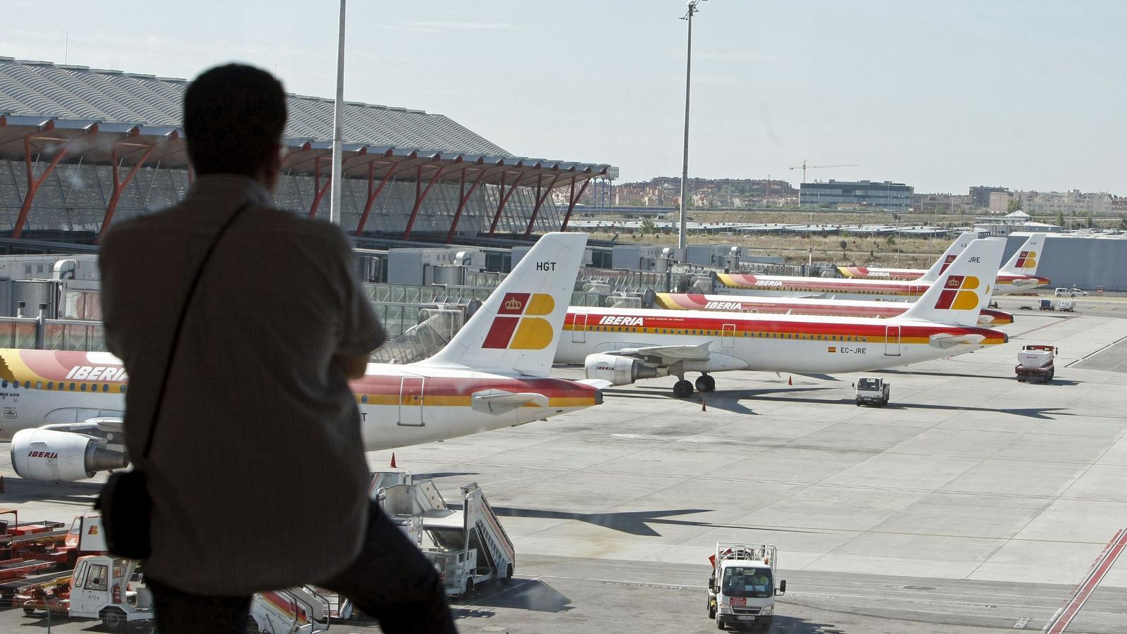 El sindical Sepla assegura que Iberia incompleix el conveni creant una empresa en què segregarà l'activitat de curt i mitjà radi.