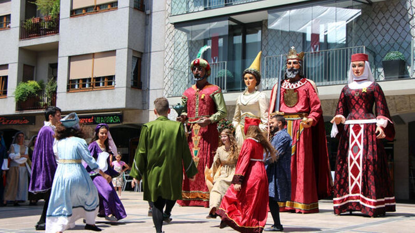 Danses medievals durant la festa major d'Andorra la Vella. / ARXIU ANA