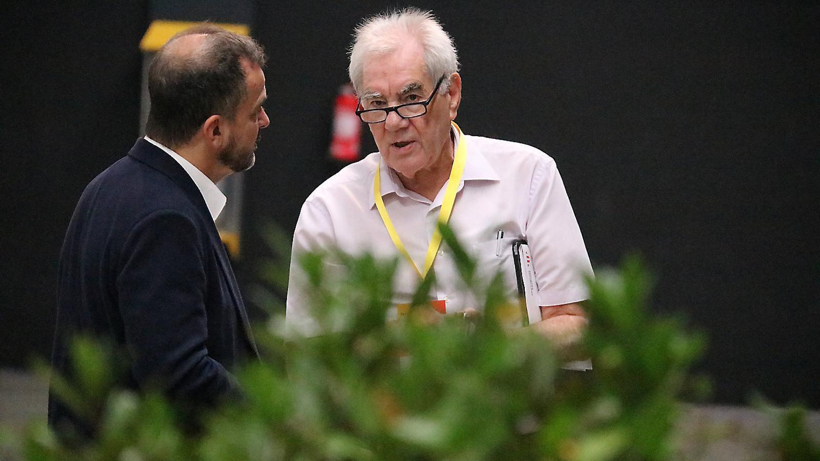 Alfred Bosch i Ernest Maragall, junts a la Farga de l'Hospitalet de Llobregat el mes de juny passat, durant la conferència nacional organitzada per ERC.