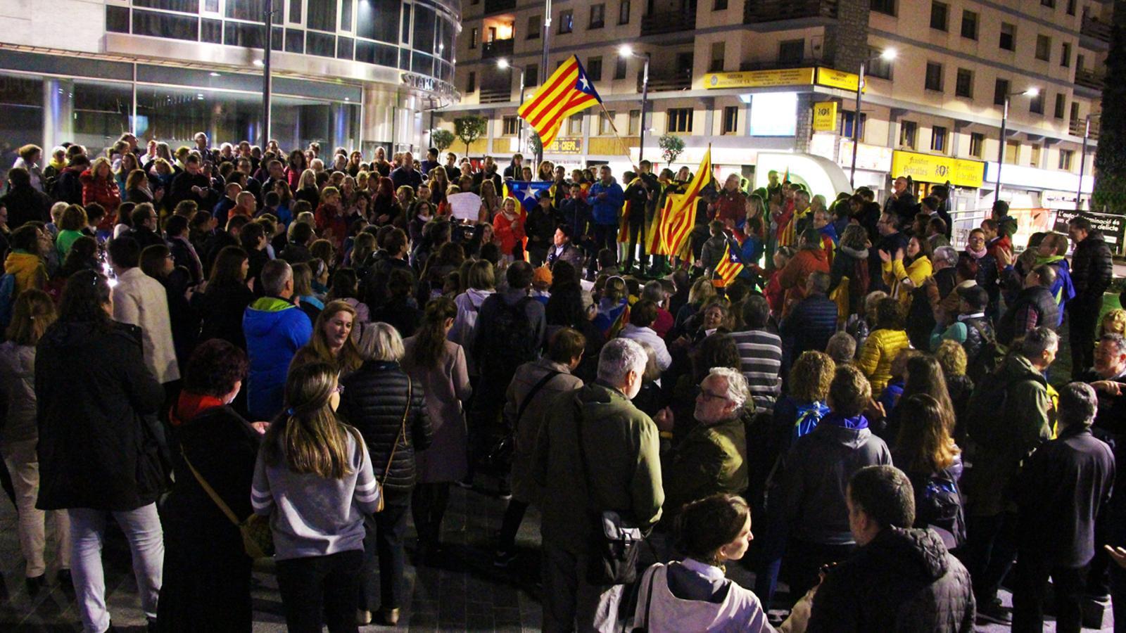 Concentració independentista en contra de la sentència del procés al centre d'Andorra la Vella. / T. N.