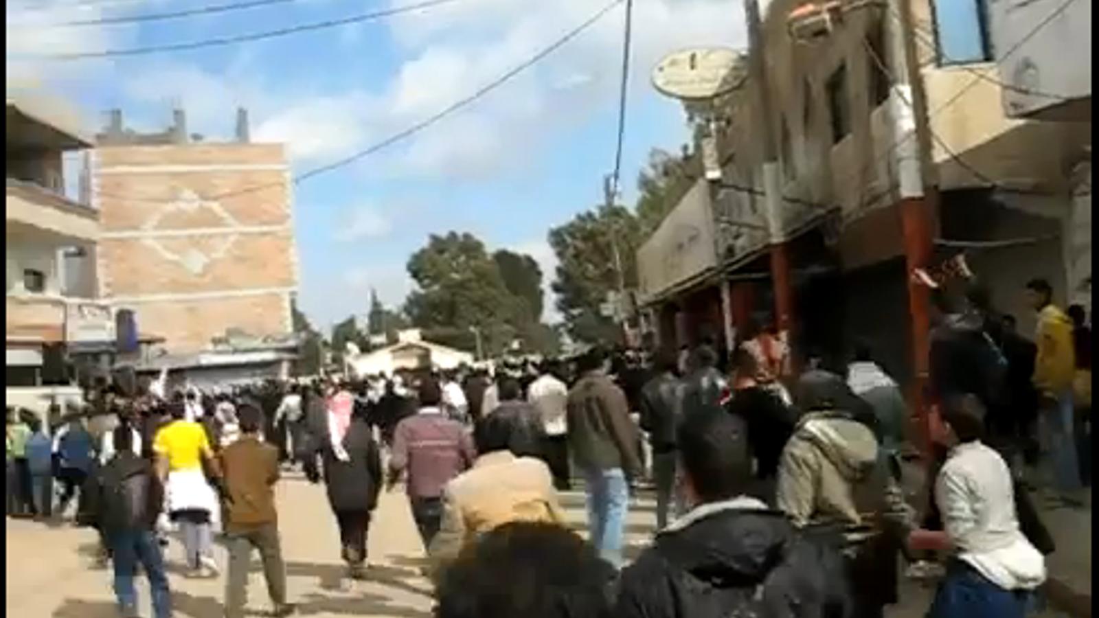 El règim de Baixar Al-Assad continua reprimint la revolta popular