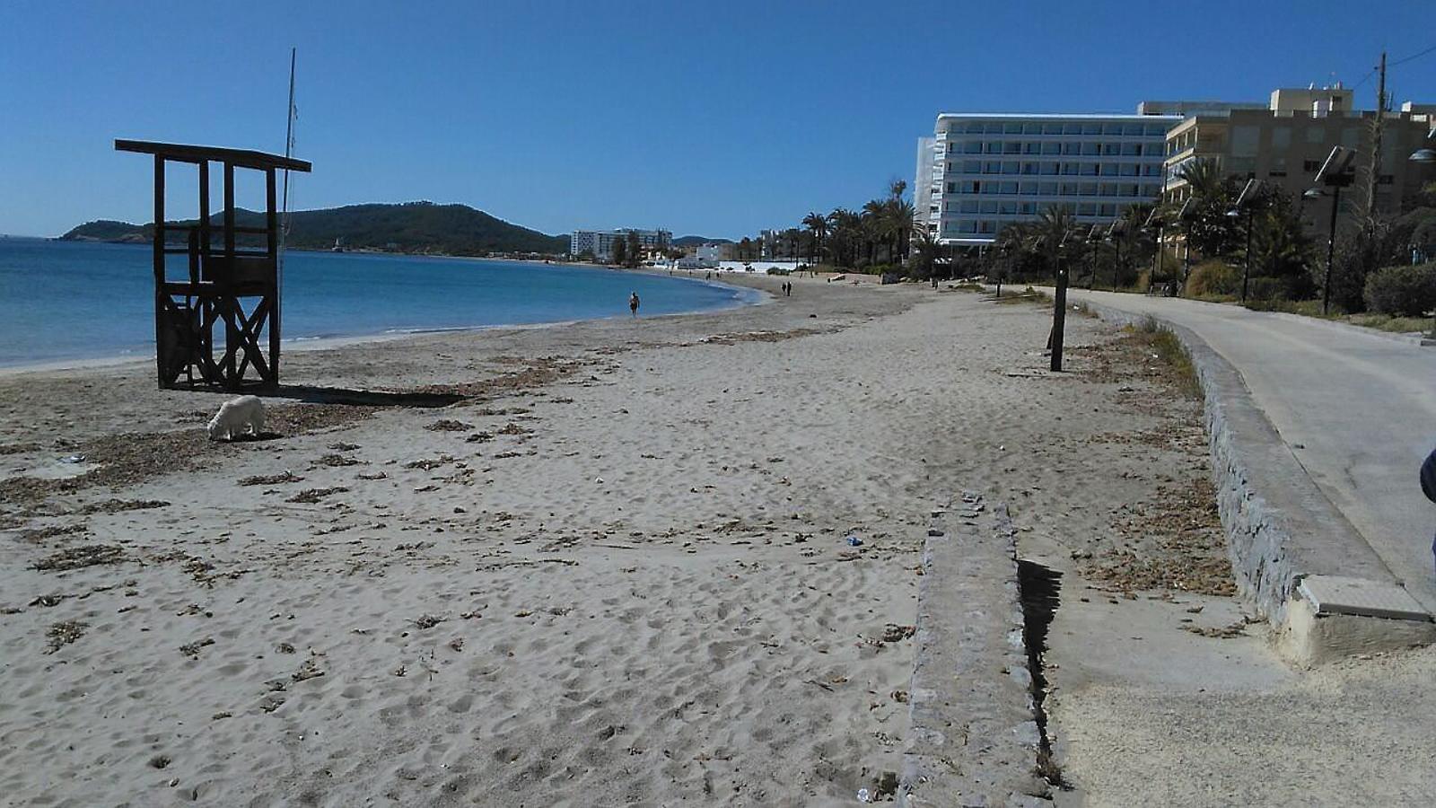 Sancionats dos establiments per abocaments il·legals a les Platges de Comte de Sant Josep de sa Talia