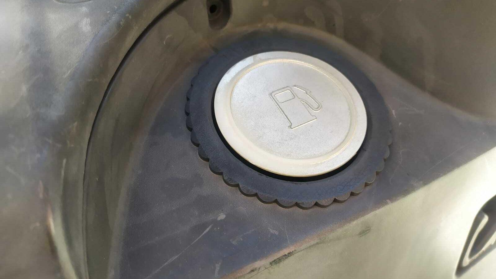 Un dipòsit d'un vehicle. / M. R. F.