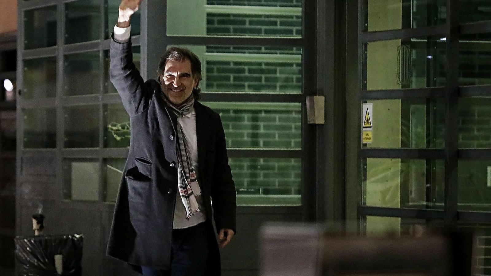 """Jordi Cuixart: """"Ara estem salvant vides, però d'aquí un mes i mig haurem d'estar salvant famílies senceres"""""""