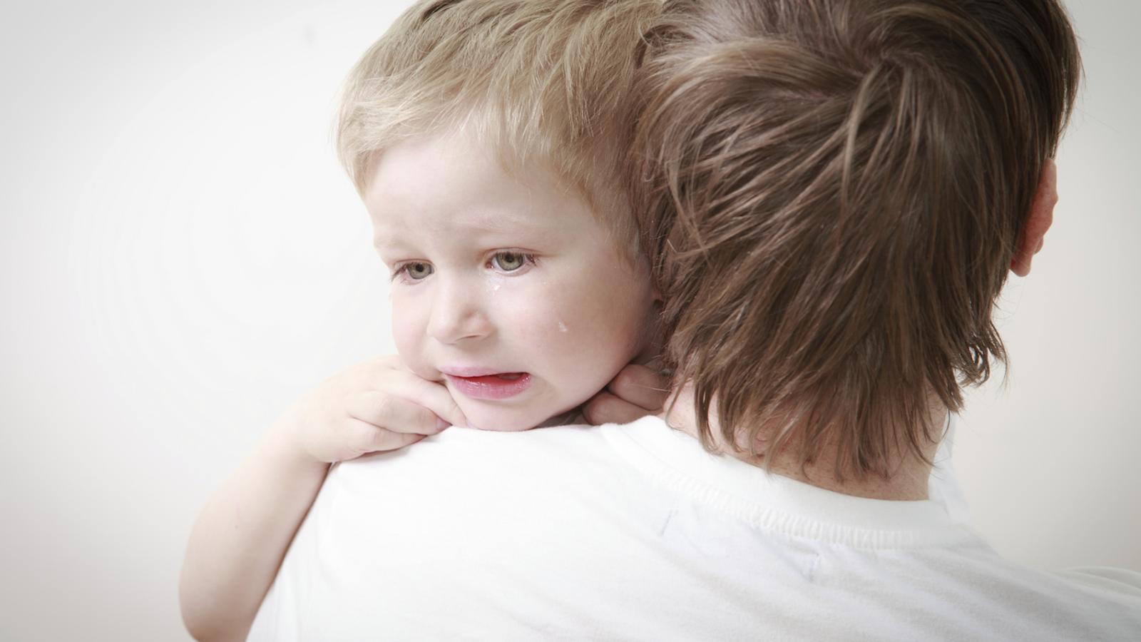 Evites plorar davant dels teus fills?