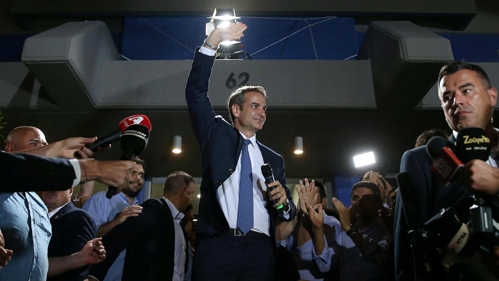 Els grecs castiguen Syriza i la dreta governarà amb majoria absoluta