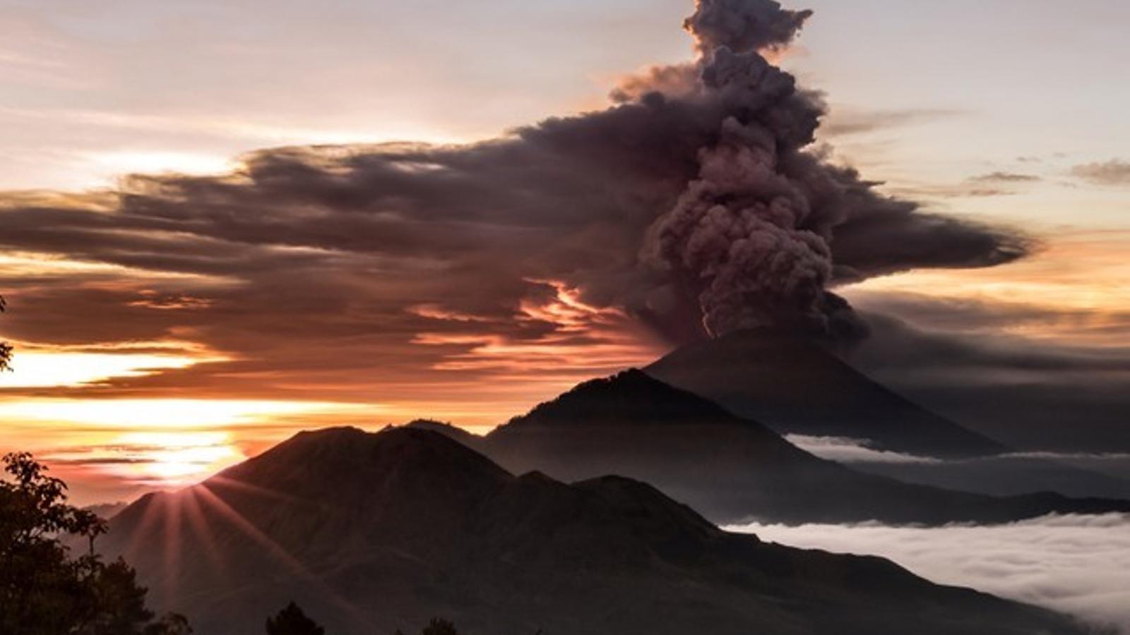 L'erupció d'un volcà a Bali podria fer recular lleugerament la temperatura global