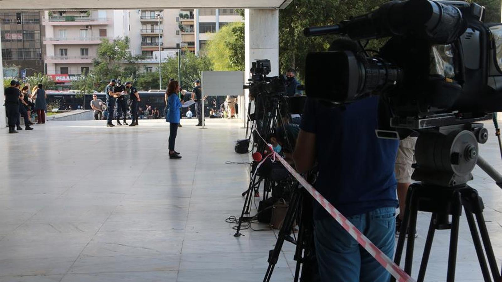 Expectacio mediàtica al jutjat d'Atenes on s'ha de dictar la sentència d'Alba Daurada.