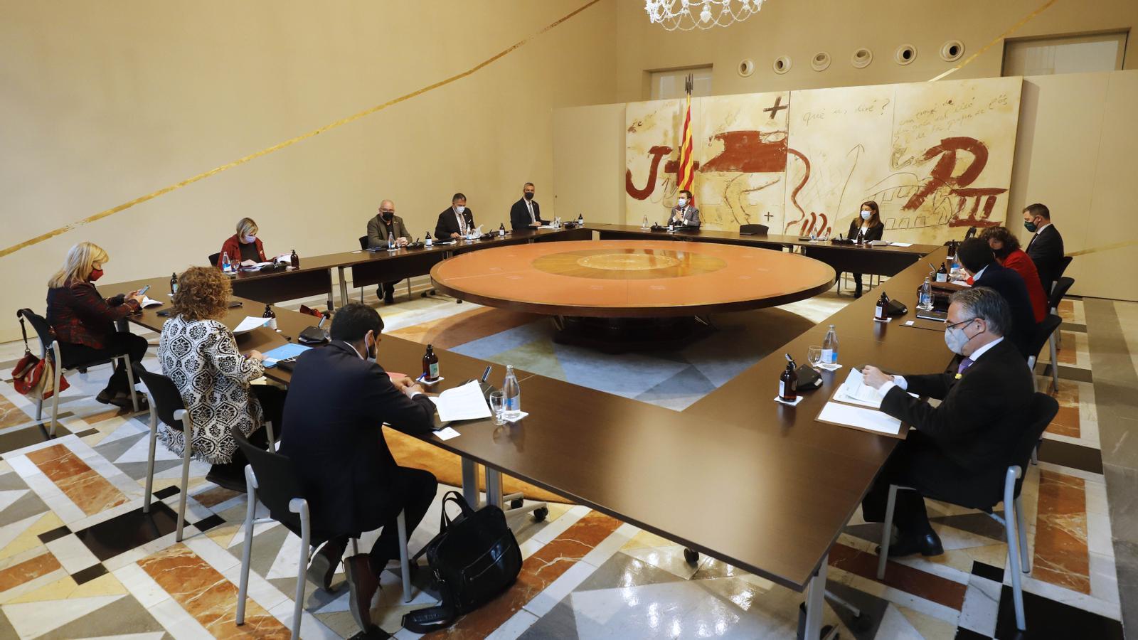 500 alts càrrecs de la Generalitat, pendents de l'acord d'investidura