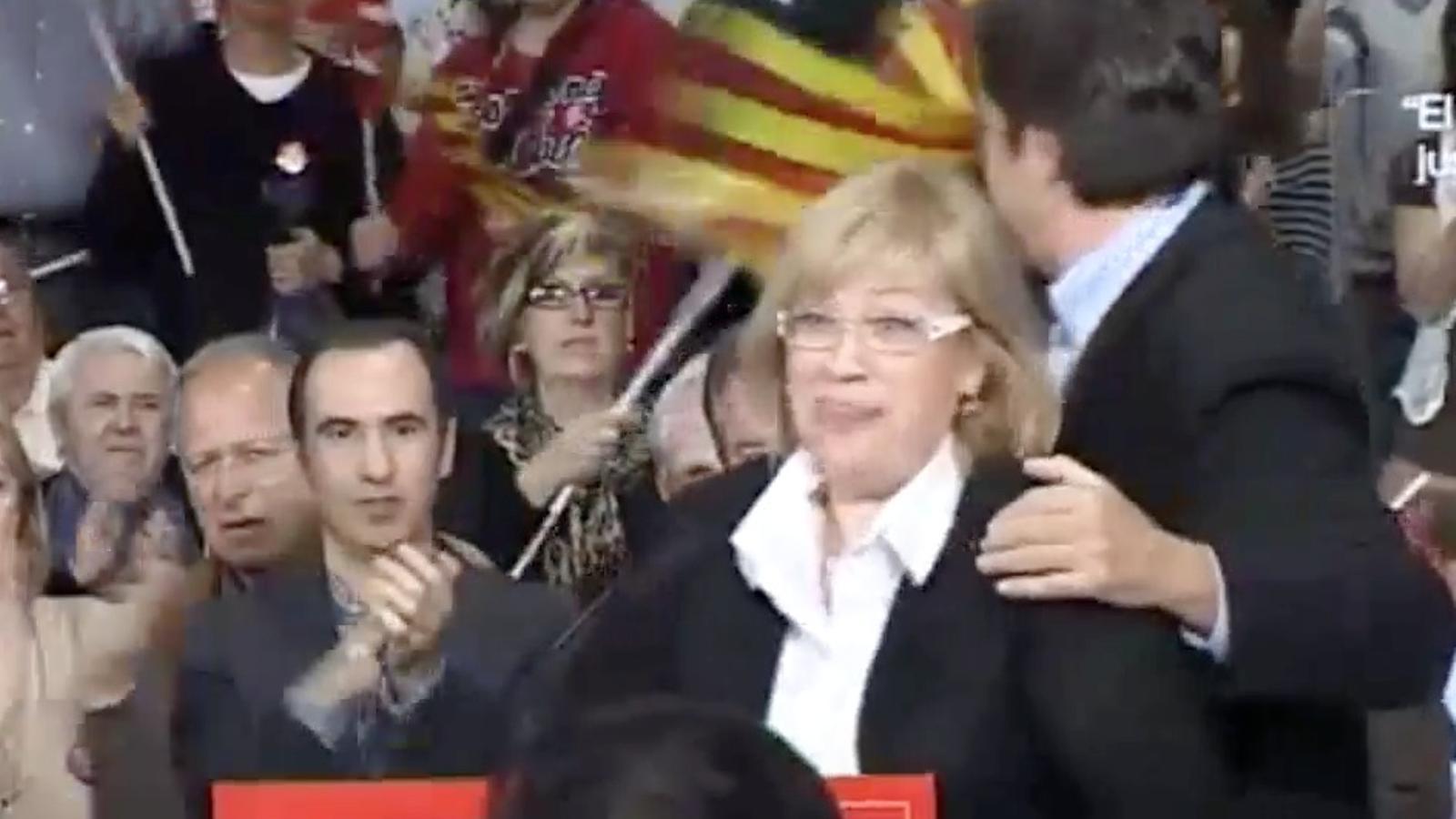 """Una diputada del PSC per Barcelona al Congrés """"perd els pantalons"""" durant un míting de Chacón a Badalona"""