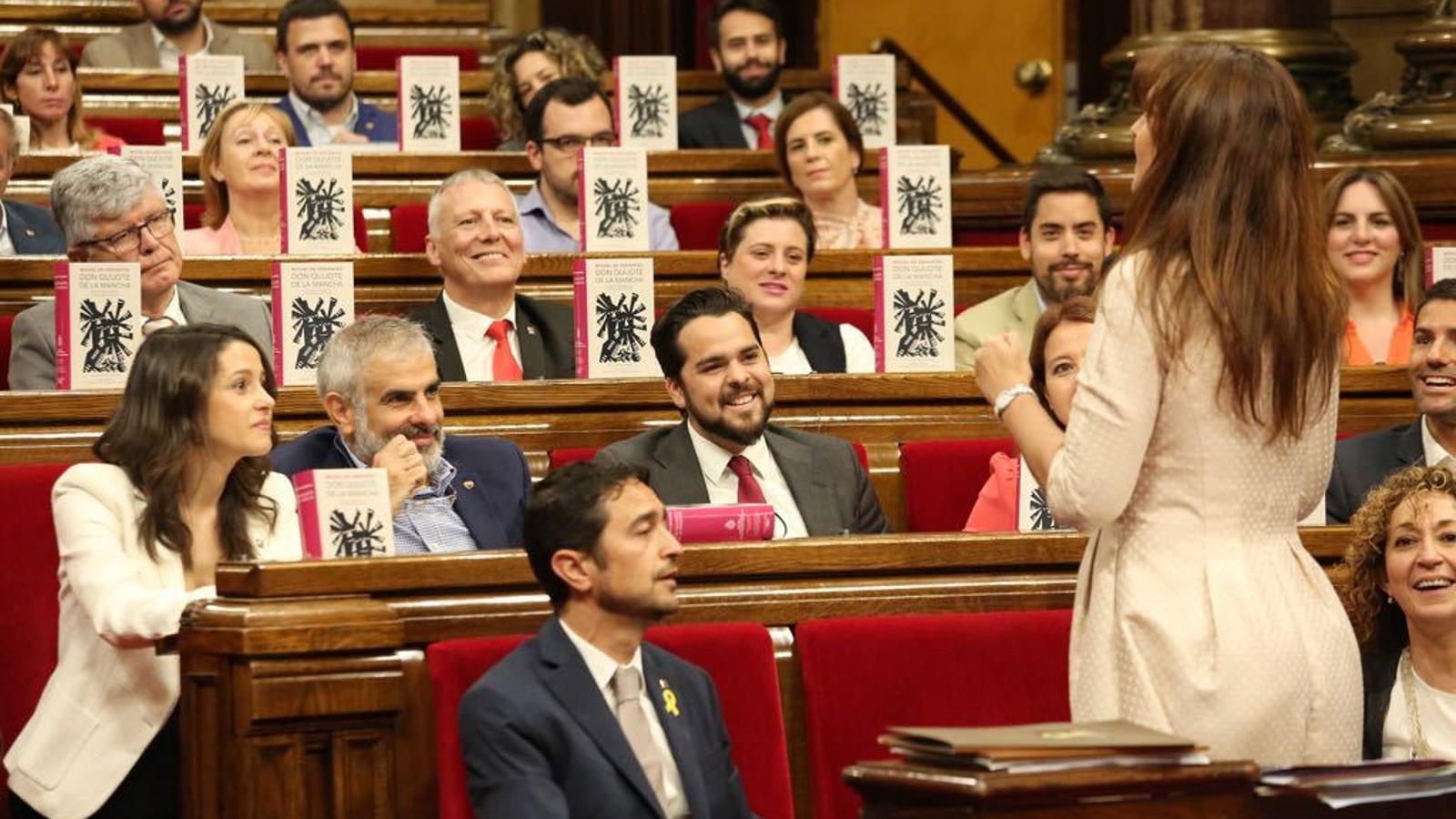 Laura Borràs dirigint-se als diputats de Cs al Parlament