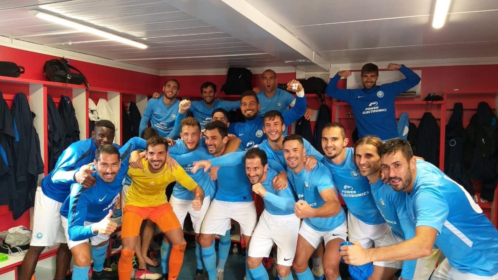 L'Eivissa celebra la victòria al vestidor