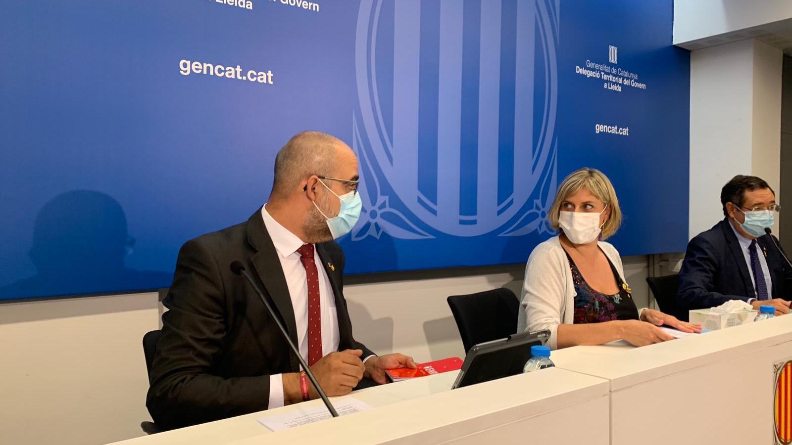 El conseller d'Interior, Miquel Buch, i la consellera de Salut, Alba Vergés, aquesta tarda.