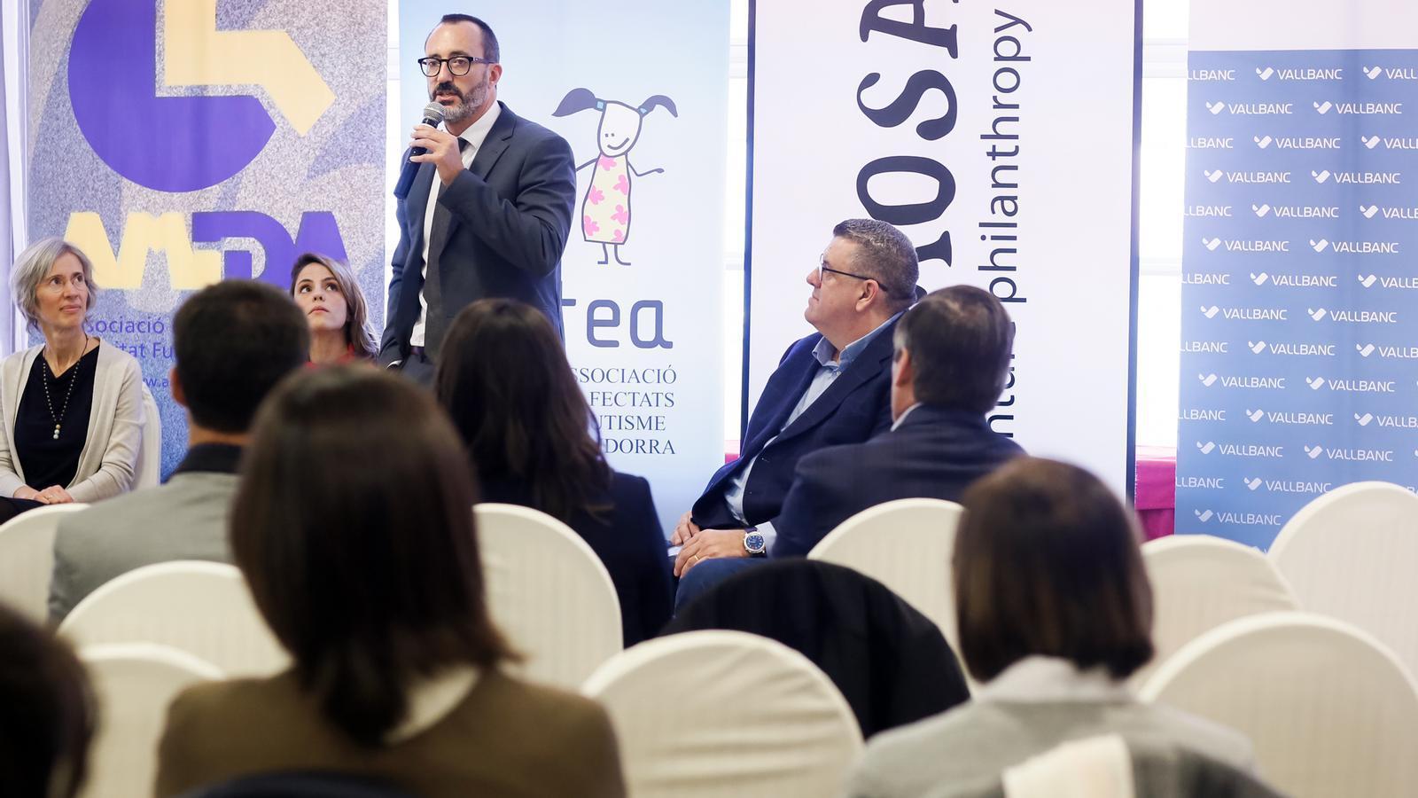 Moment de la intervenció del ministre d'Afers Socials, Habitatge i Joventut, Víctor Filloy, a la jornada de 'Ciutat amable'. / SFG