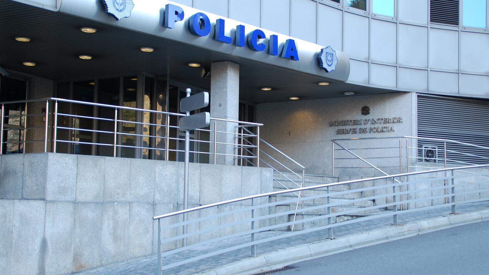 Façana del despatx central de la policia. / ARXIU ANA