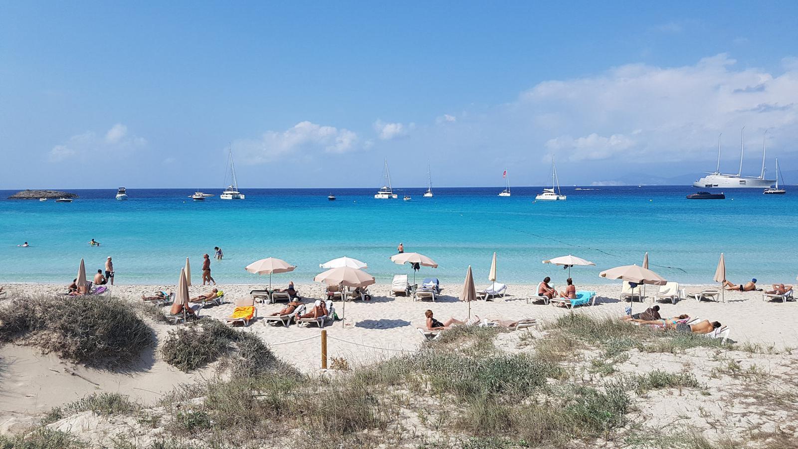 Formentera posa un límit de 20.000 persones en l'ocupació turística