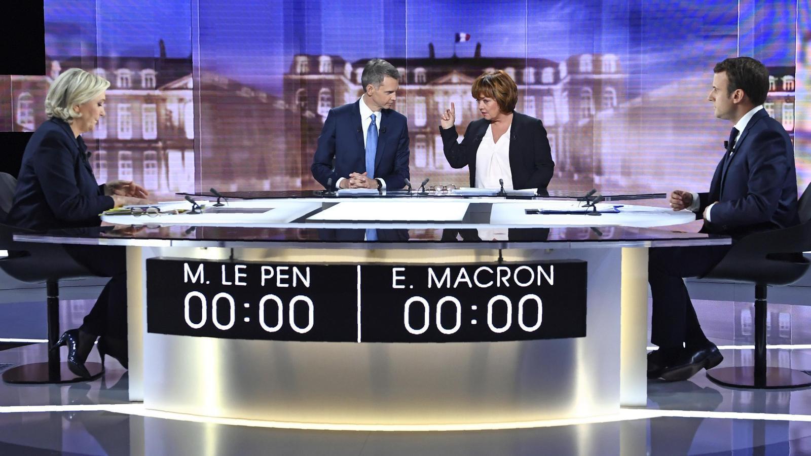 Macron va querellar-se contra la informació falsa que deia que tenia un compte a les Bahames